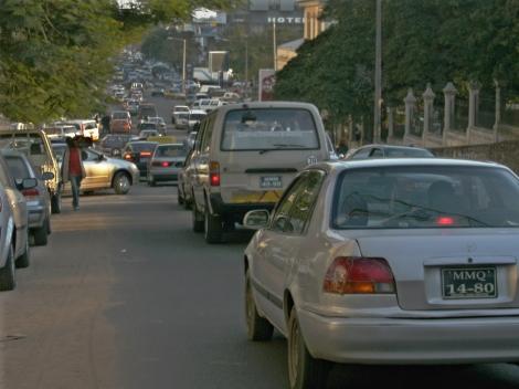 Congestionamento na véspera do 25 de junho