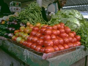 banca dos tomates e alfaces