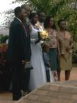 noivos e família no Jardim dos Namorados