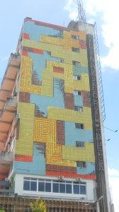 Fachada do edifício da Linha Portuguesa