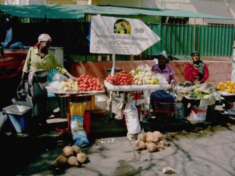 venda de temperos e verduras nas ruas