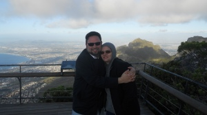 Eduardo e Sandra no alto da Table Mountain